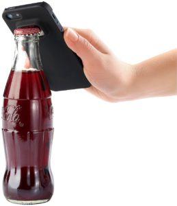 Schutzhülle für iPhone 5/5s mit integriertem Flaschenöffner