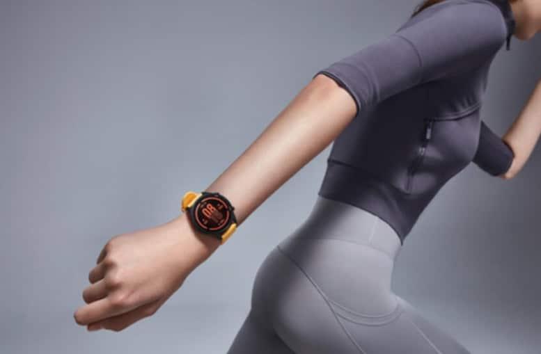 2020 10 02 10 29 12 Xiaomi Mi Watch offiziell  Apple Watch 6 meets Mi Band 5  CURVED.de