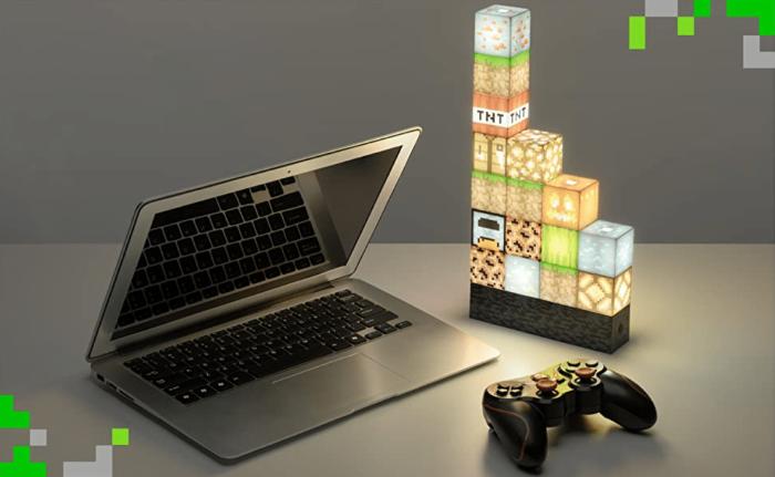 2021 02 17 10 05 51 Minecraft Blockbaulampe 16 verschiebbare Lichtbloecke und Bettfels Basis.  Amazo