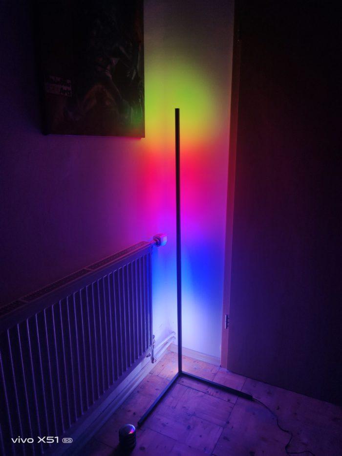 BlitzWolf BW-FLT 1 RGB Licht unterteilt