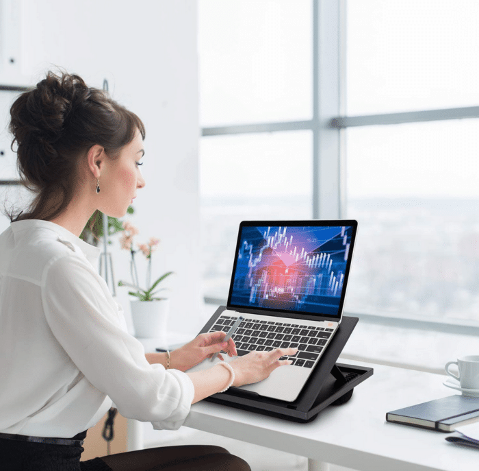 2021 05 04 09 39 45 HUANUO Laptopkissen Hoehenverstellbar fuer max. 156   Amazon.de  Computer  Zube