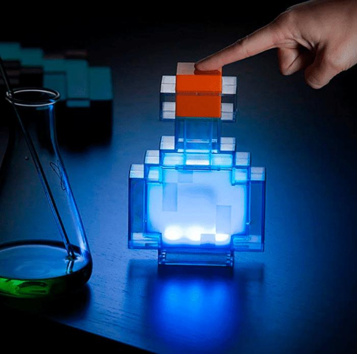 Minecraft LED-Fackel / -Trank Leuchtender Trank in Pixeloptik