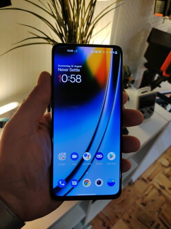 OnePlus Nord 2 Test Vorderansicht