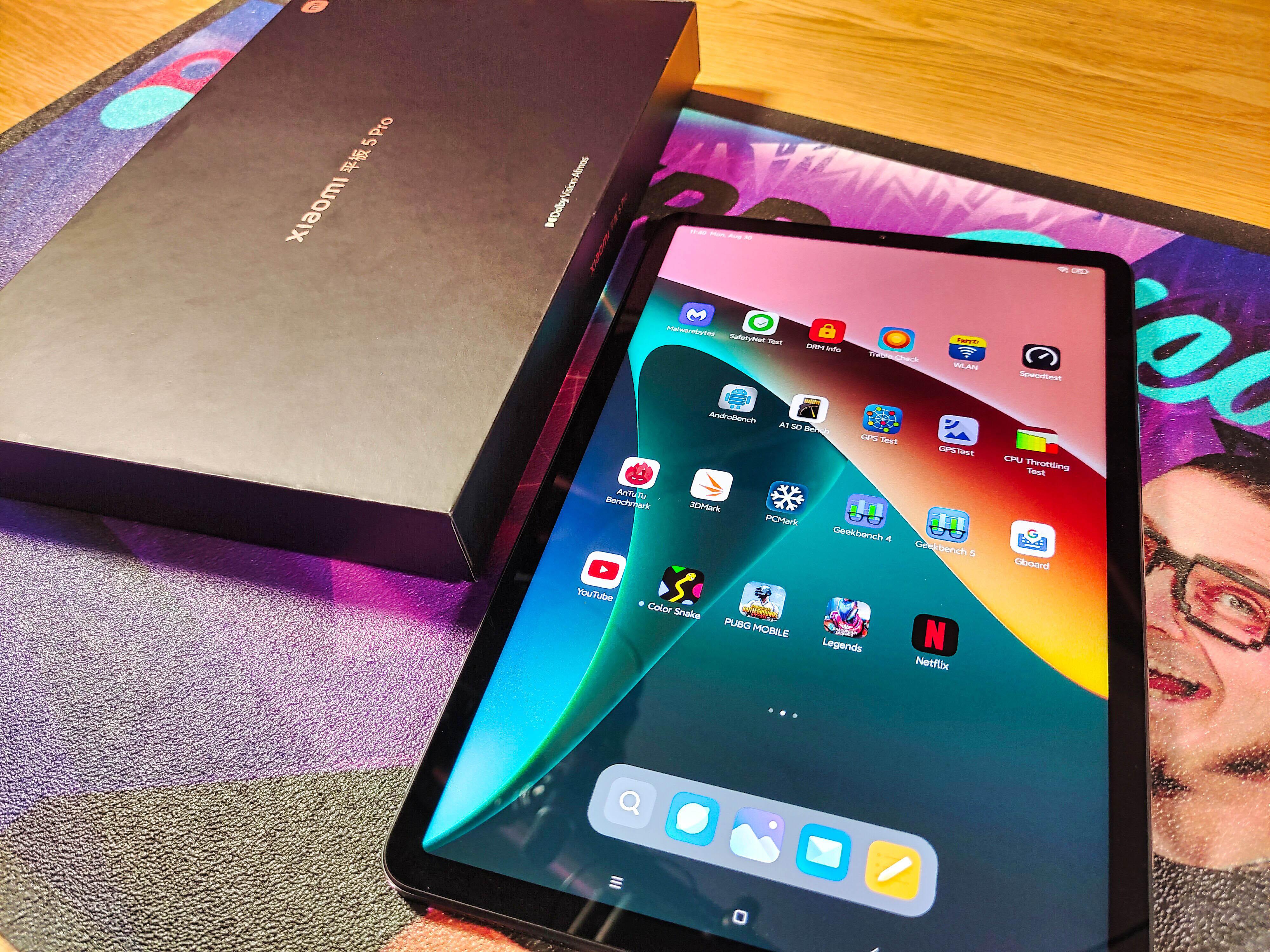 Xiaomi Mi Pad 5 Pro Verpackung und Draufsicht