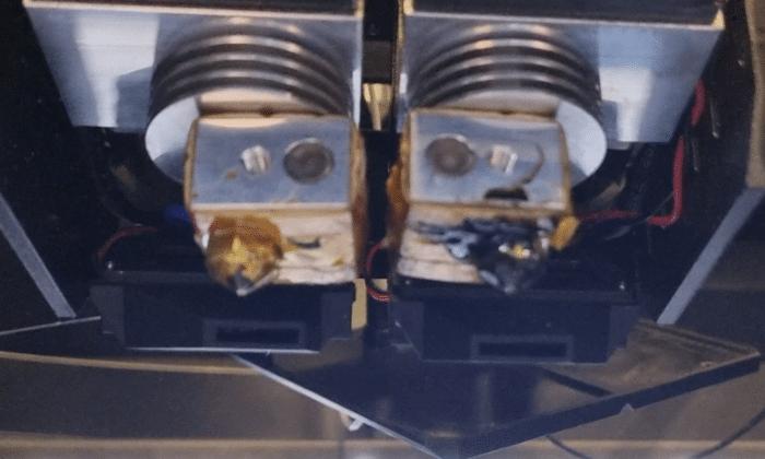 QIDI TECH iFAST Test Dual-Extruder von unten