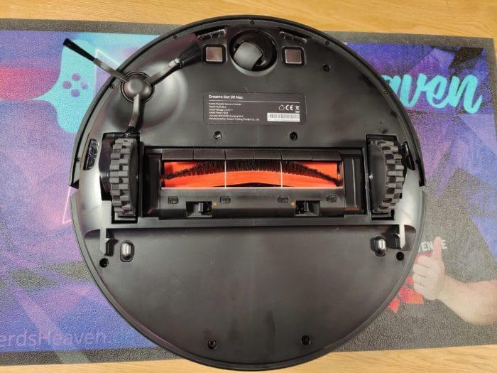 Dreame Bot D9 Max Ansicht von unten mit Bürsten