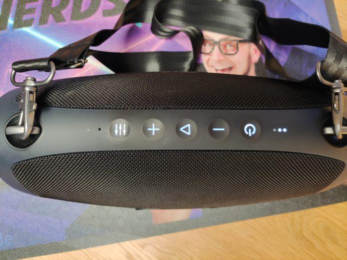 W-King X10-1 Ansicht von oben mit leuchtenden Buttons
